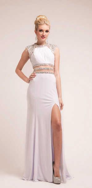 Брендовое платья белого цвета